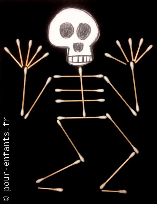bricolage avec des cotons tiges squelettes halloween enfants maternelle et élémentaire