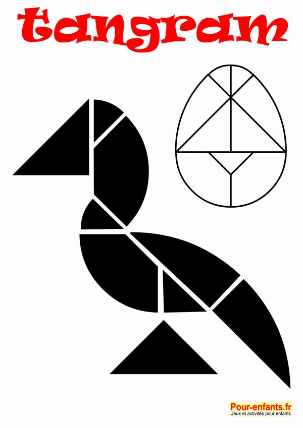 Pâques. Jeu de tangram oeuf à imprimer en noir et blanc. Modèles d'oiseau et oeuf. Pour enfants.